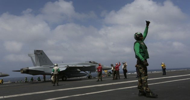US aircraft carrier steams in to Philippines as UN admits slow response