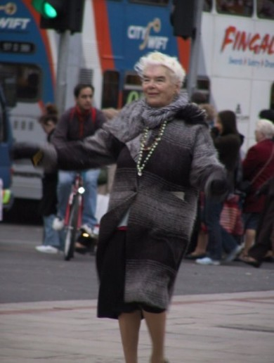 Mary Dunne – the O'Connell Street dancer – passes away aged 87