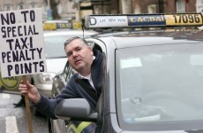 300 taxi drivers protest in Dublin city over ads, parking and too many taxis