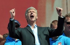 Arsene Wenger agrees to new three-year contract with Arsenal