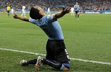 Superb Suárez puts England on the brink