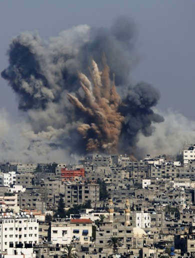 """Over 100″ Palestinians killed as Israel ramps up attacks on Gaza"