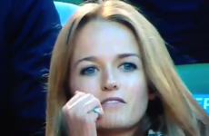 Lip-readers wanted: What is Andy Murray's fiancee saying?