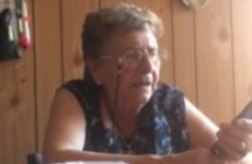 Italian granny tries to learn how to use Siri, gets hilariously frustrated