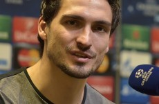 Hummels open to Manchester United move