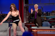 Tina Fey whipped off her dress on a chat show, is now a hero