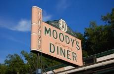 Bond yields creep back up on Moody's rumours