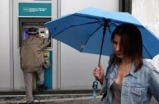 Fears grow as Greeks flee banks