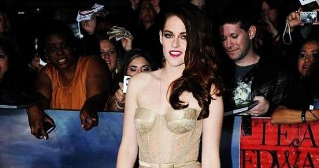 The Dredge: Kristen Stewart flashes her knickers at Breaking Dawn premiere