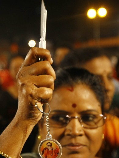 Amid rape fears, Indian party gives knives to women