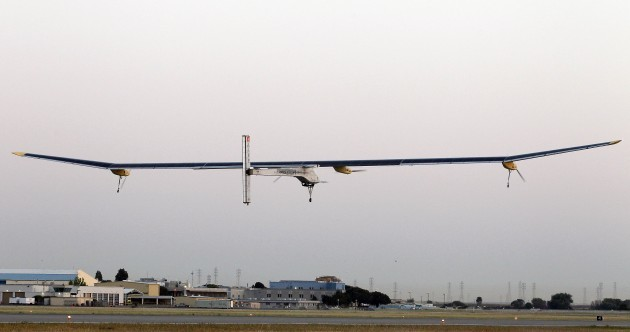 How this plane is travelling across America without any fuel