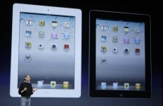 Steve Jobs unveils Apple's iPad 2