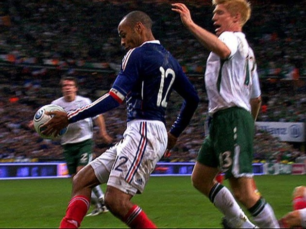 Thierry-Henry-Hand-Ball