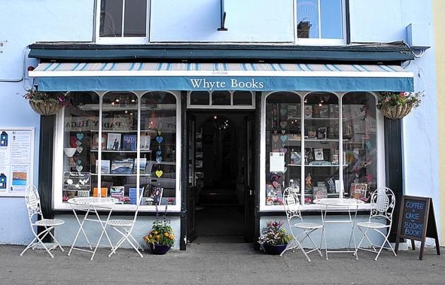 Whyte-Books-exterior-776