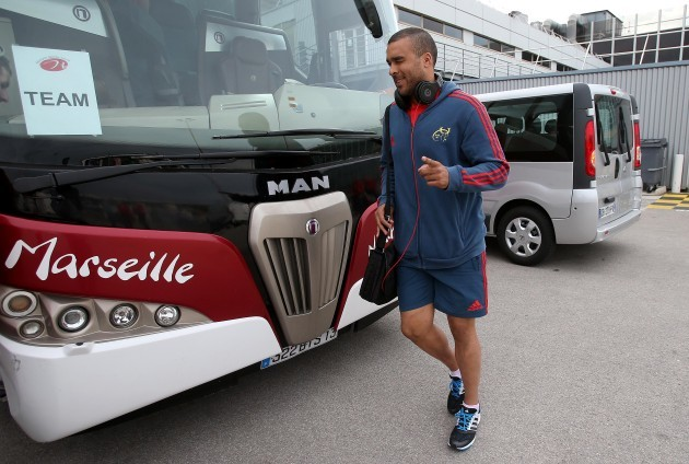 Simon Zebo arrives in Marseille