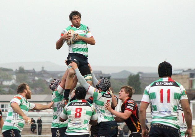 Valerio Bernabo wins the line-out ball