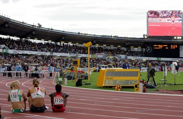 Derval O'Rourke awaits the result of the Women's 100m Hurdles final 11/8/2006