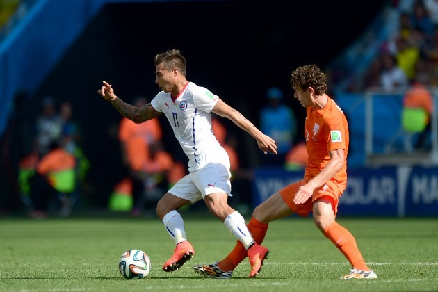 Soccer - FIFA World Cup 2014 - Group B - Netherlands v Chile - Arena Corinthians