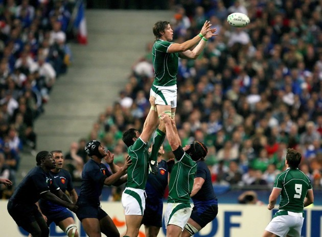Simon Easterby in a lineout