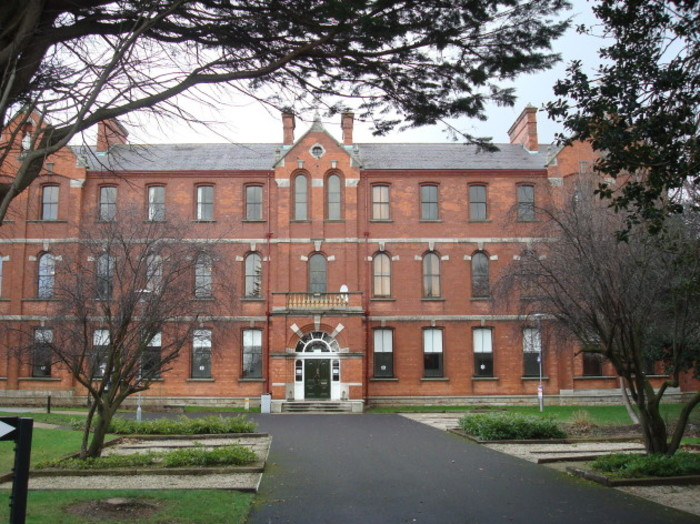Our_Lady_of_Mercy_College,_Carysfort