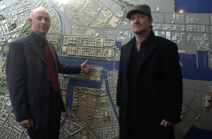 BONO IRISH ROCK BAND U2 NEW RECORDING STUDIO