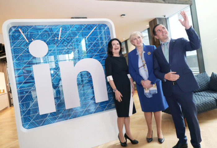 NO FEE LINKEDIN IRE EXPANDS TO 2K PEOPLE IRISH MEMBERSHIP HITS 2 MIL JB7