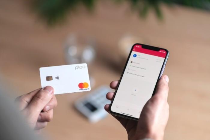 Pleo Card & App